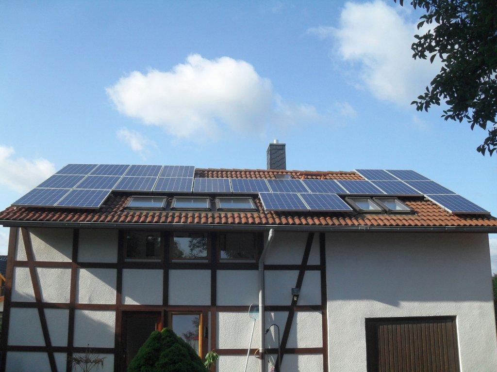 eigenverbrauchs photovoltaikanlage auf einem nord dach. Black Bedroom Furniture Sets. Home Design Ideas