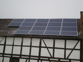 IBC Solar auf einem Ost/West Dach