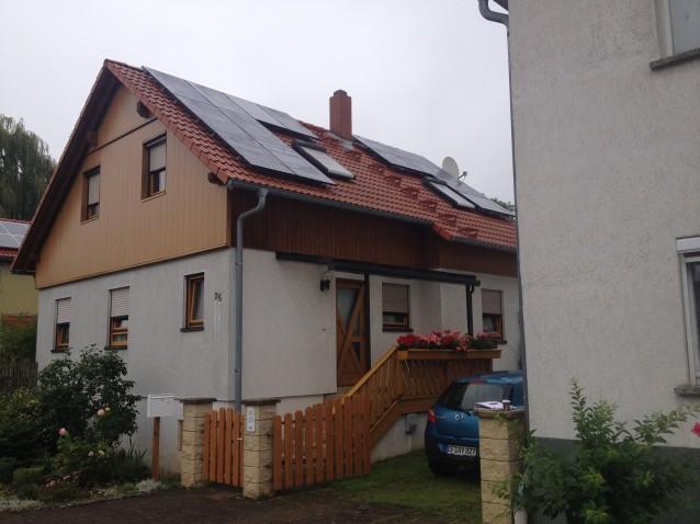 BenQ Module und SolarEdge Wechselrichter auf Eigenheim in Erfurt