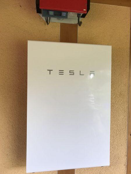 Autarke Energieversorgung mit der Tesla PW