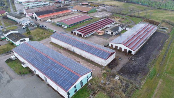 Dachsanierung mit Photovoltaik . PV zahlt Dach