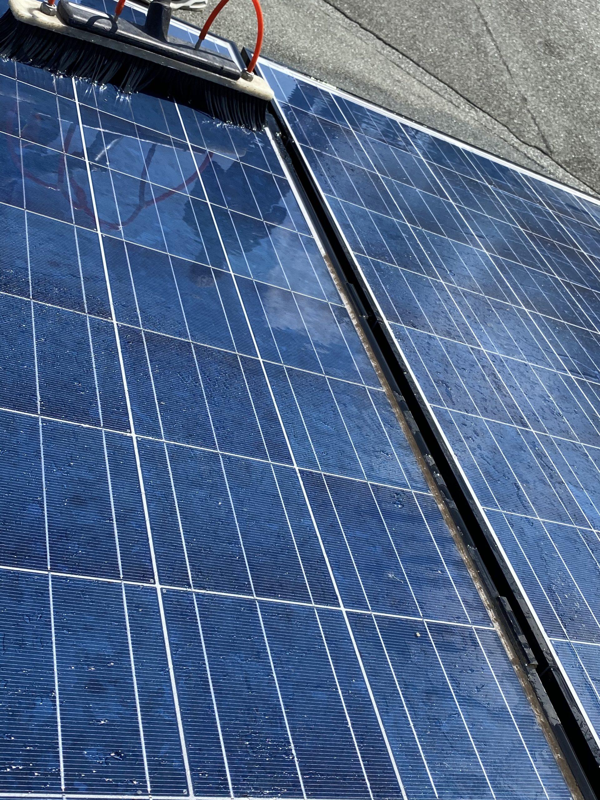 Vorher- Nachherbild der Solarreinigung