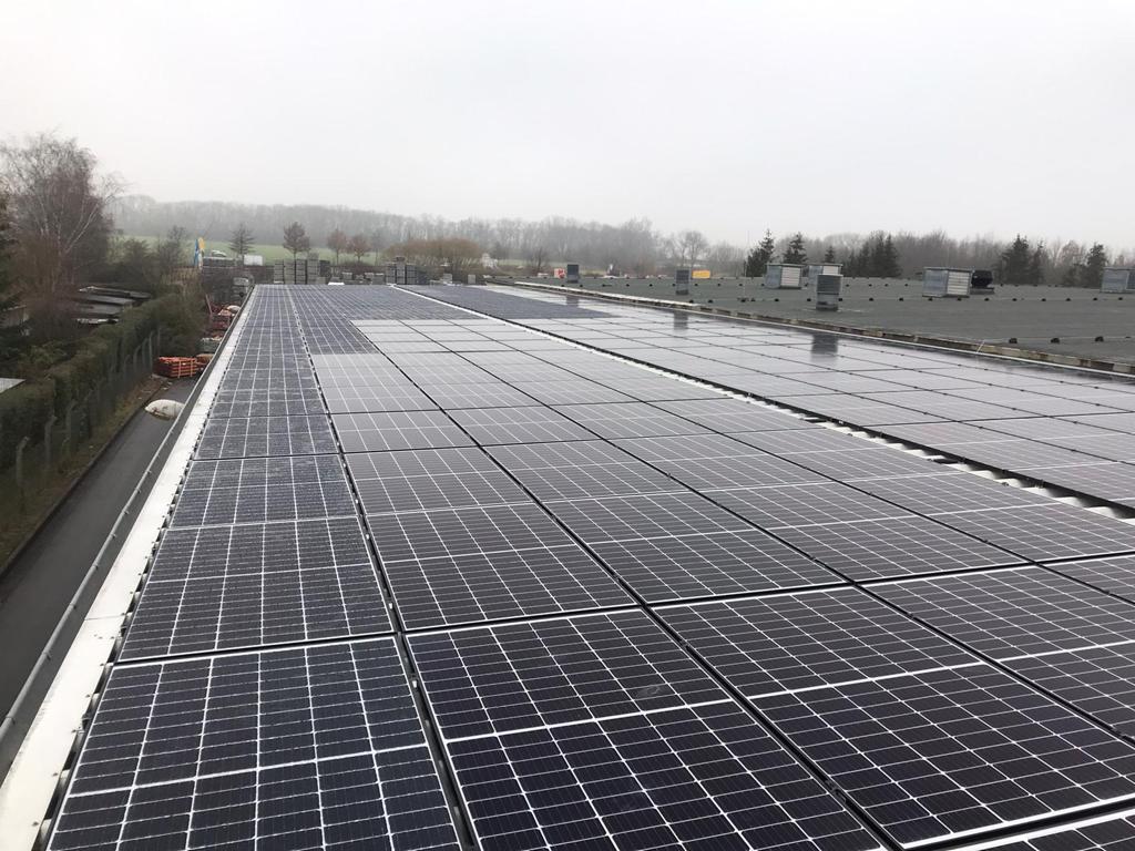 Solaranlage 80 kWp Gewerbestrom Weimar Raiffeisen